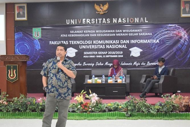 sambutan-dari-Warek-Bidang-Akademik-Prof.-Dr.-Iskandar-Fitri-S.T.-M.T-dan-sekaligus-memberikan-materinya